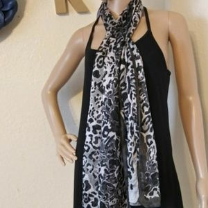 💙Leopard sheer oblong scarf nwt